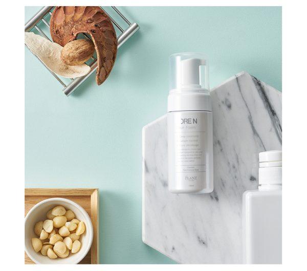 Mousse nettoyante pour pore dilatés, élimine l'excès de sébum , resserré les pores